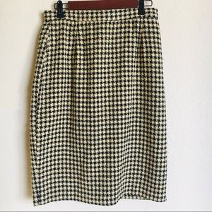 Vintage Cream and Black Houndstooth Pencil Skirt
